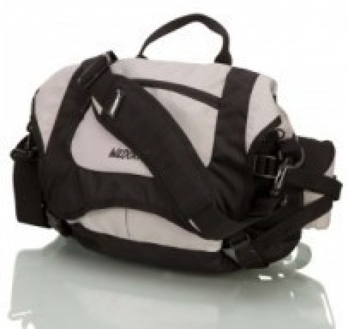 Gym Bag Flipkart: Wildcraft Bum Bag Travel Duffel Bag Black