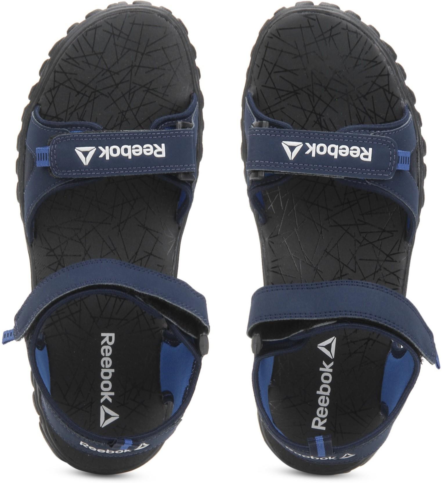 f2ac6937e REEBOK Men NAVY BLUE BLACK Sandals - Buy NAVY BLUE BLACK Color ...