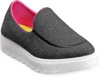 Buy Womens Footwear - Flat online