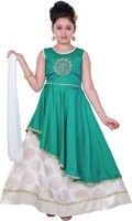 Saarah Girls Lehenga Choli Ethnic Wear Self Design Lehenga, Choli and Dupatta Set(Green, Pack of 1)