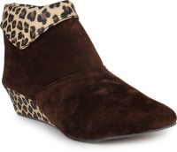 Cattz Stylish & Fashionable Boots For Women(Brown)
