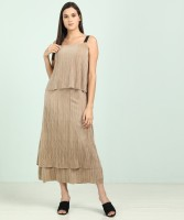 AND Women Pleated B