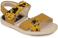 N Five Boys & Girls Buckle Strappy Sandals(Yellow)