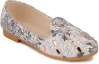 N Five Girls Slip on Dancing Shoes(White)