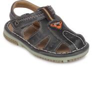 Action Shoes Boys Sports Sandals(Black)