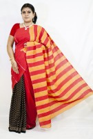 Runu's Boutique Self Design Fashion Handloom Cotton Blend Saree(Red, Black)