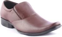 Zapatoz Brown Slip On Shoes For Men(Brown, Black)