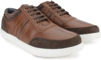 USPA, UCB & more Mens Casual Shoes