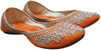 PORT Punjabi Designer Jutis For Women(Orange)
