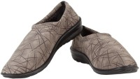 Soothe Shoes Casual Shoes For Women(Multicolor)