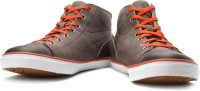 Timberland Hookset Camp Cap Toe Chukka Mid Ankle Sneakers For Men(Black, Grey, Orange)