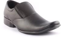 Zapatoz Black Slip On Shoes For Men(Black)