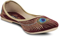 Get Glamr Designer Mojaris For Women(Maroon)