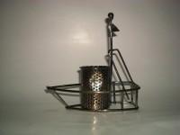 Iron Penstand Decorative Showpiece  -  12.7 cm(Iron, Black)