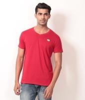Londoner Solid Men's V-neck Red T-Shirt