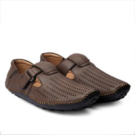 598cfb8dffc Leather Sandals - Buy Leather Sandals online at Best Prices in India ...