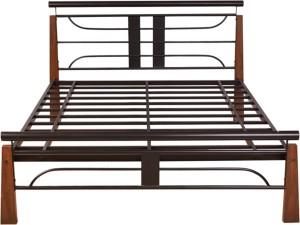 HomeTown Diamond Metal Queen Bed