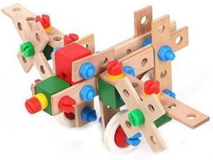 Shrih 69-Pieces Wooden Toy Building & Construction Set.