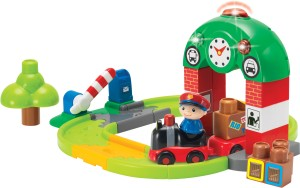 Winfun 39 Pieces Train Station