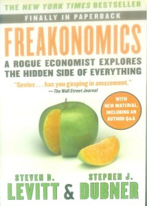 Freakonomics : A Rogue Economist Explores the Hidden Side of Everything price comparison at Flipkart, Amazon, Crossword, Uread, Bookadda, Landmark, Homeshop18