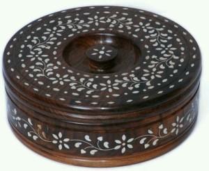 India Wooden Handicraft Chapati Box Whit Brass 500 Ml Wooden Multi