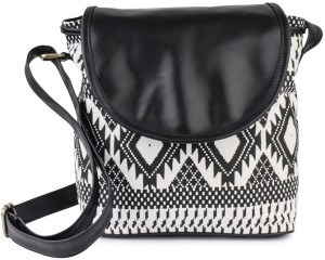 bbedc3c120e Kleio Women Black Canvas Sling Bag Best Price in India