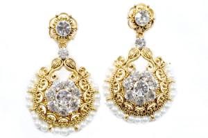 The Fresh Fashion Designer Pearl Alloy Chandbali Earring