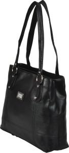 Flaunt It Messenger Bag Black Best Price in India   Flaunt It ... e71e6ec9d6