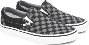 537e9fb53d VANS Classic Slip On Canvas Shoes Black Best Price in India