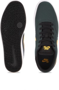 new arrivals c9dca a8fea Nike SB CHECK CNVS SneakersBlack, White, Gold