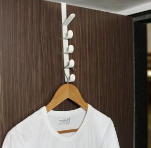 HOKIPO Over the Door Reversible 5 Level Organizer Hooks 5 - Pronged Hook Rail