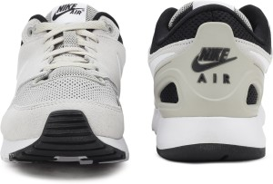 purchase cheap b9395 09f6c Nike AIR VIBENNA SE Running ShoesWhite