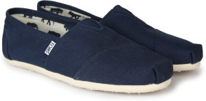 52615edb393 TOMS NAVY CANVAS CLASSICS Casuals ( Navy )