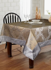 Lushomes Self Design 6 Seater Table Cover
