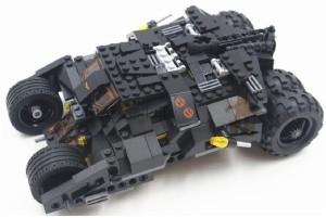 Sanyal Super Heroes Tank Building Block Set with 2 Minifigures And Brick Separator 325 Pcs Block Set(Black, Orange)