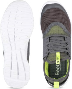 4ebc2d5a53bb REEBOK HURTLE RUNNER Running Shoes For Men Grey Best Price in India ...
