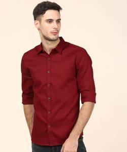 d0b26f21855 United Colors of Benetton Men Solid Casual Maroon Shirt