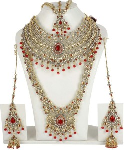 c3b4d8301e051 Muchmore Red & White Kundan Bridal Set for Women Wedding Jewellery 22K  Yellow Gold Plated Alloy Necklace Set