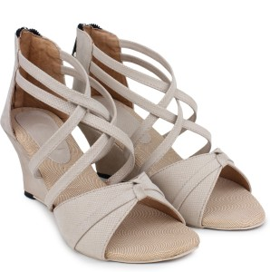London Steps Women Cream Wedges