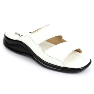 online store 40115 a72c8 Coolers By Liberty Men White Sandals Best Price in India   Coolers By  Liberty Men White Sandals Compare Price List From Coolers By Liberty Sandals  Floaters ...