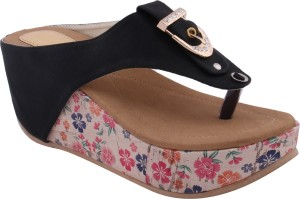 Fadrin Women Black Wedges