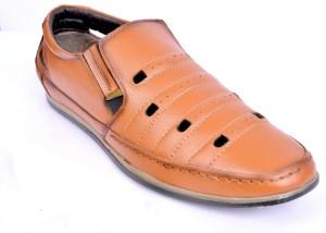 9eaa2c53c32e Peponi Men TAN Sandals Best Price in India