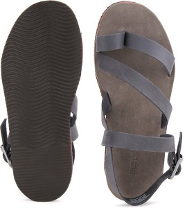 40b0892c9bf20 United Colors of Benetton Men 902 Sports Sandals Best Price in India ...