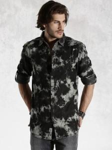 07123b3dee Roadster Men s Self Design Casual Black Shirt Best Price in India ...