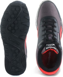 a82d4b8d39ec55 Reebok Classics PROTONIUM Sneakers Black Best Price in India ...