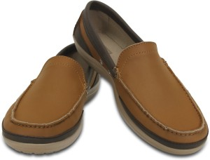 41b6d4371bb1db Crocs Wrap ColorLite M Loafers Brown Best Price in India