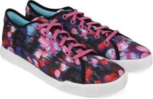 Reebok SKYSCAPE RUNAROUND 2 0 Walking Shoes Best Price in India ... 77f62481e