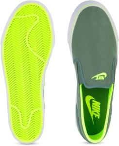 competitive price 5599e e5521 Nike TOKI SLIP TXT Men SneakersGreen, Grey, White
