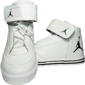pretty nice 6c177 ebc4e Johnnie boy Jordan shoe Sneakers