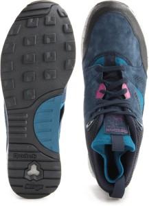 84fbce76239efd Reebok VENTILATOR MID BOOT Men Sneakers Navy Best Price in India ...